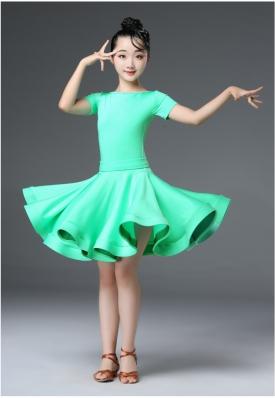 Платье рейтинговое салатовое